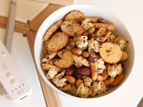 20130909-ramen-hacks-new-snack-mix-1500px-thumb-610x458-351642