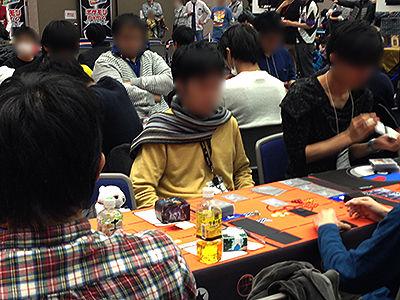 ポケモンカードゲーム チャンピオンズリーグ2017 大阪会場オープン本選バトル卓の様子