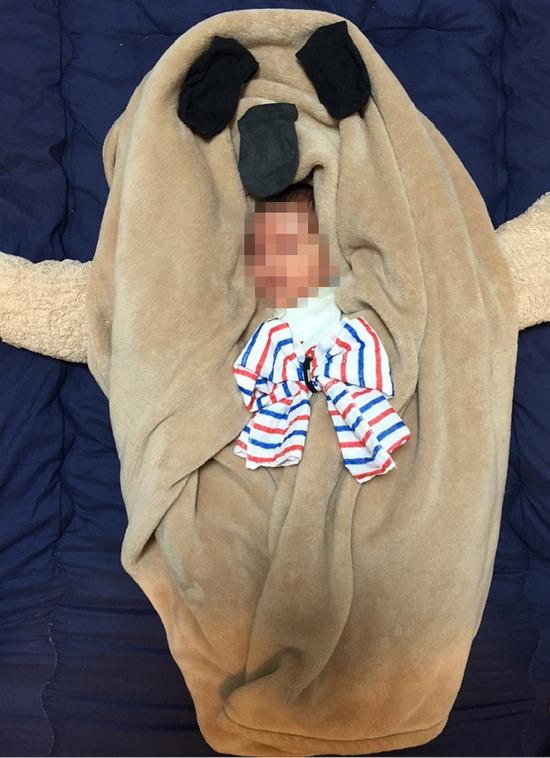 89赤ちゃんを仮装