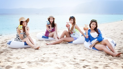 SISTAR-beautiful-girls-at-beach_1920x1080