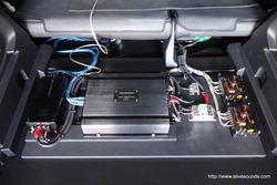 X-TRAIL アンプボードにアンプ取付、音出しチェックOK!!