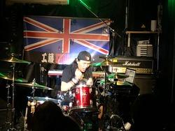 アースシェイカー・工藤義弘ソロライブのセッションライブ映像公開『MORE』