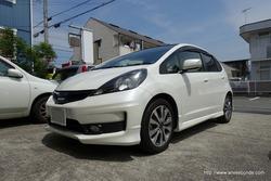 「令和」初施工のお車は静岡県よりお越しのフィットです。
