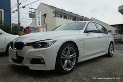 BMW F30専用JBLスピーカーシステムの取り付けです。加古川市より
