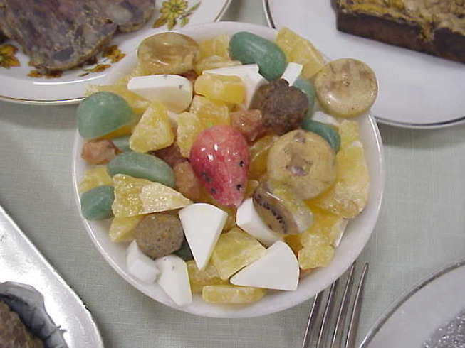 crystals-look-like-food-4-5ef9897f52753__700