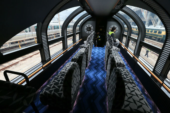 traveling-japanese-trains-inside-look-5c63d7ab64841__700