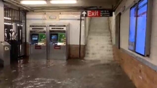 nyc-flooding-hurricane-ida-27-6131dcf1b8051__700