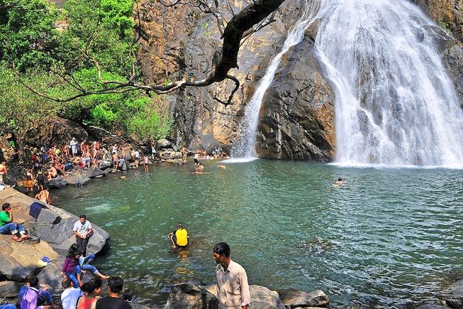 dudhsagar-waterfalls20160804105543