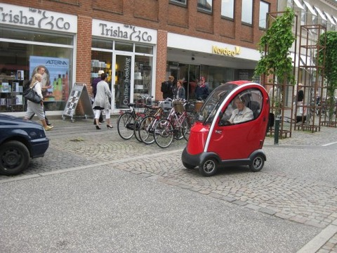 tiny-car-driven-by-a-very-old-lady