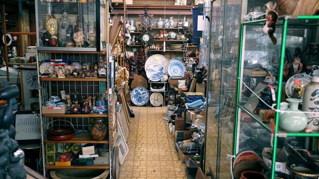 13 - Saitama - Antique Shop