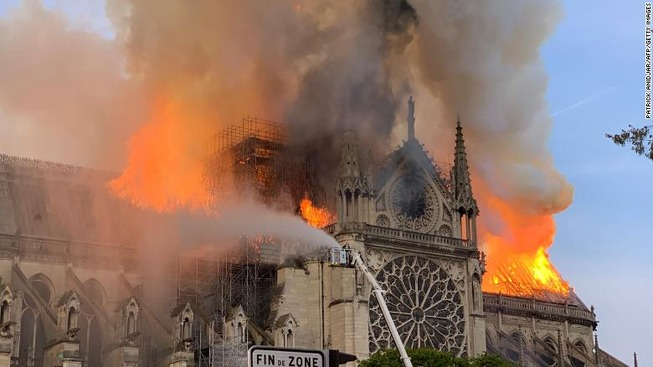 190415142230-12-notre-dame-fire-0415-exlarge-169