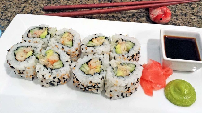 chilean-rock-crab-meat-california-roll