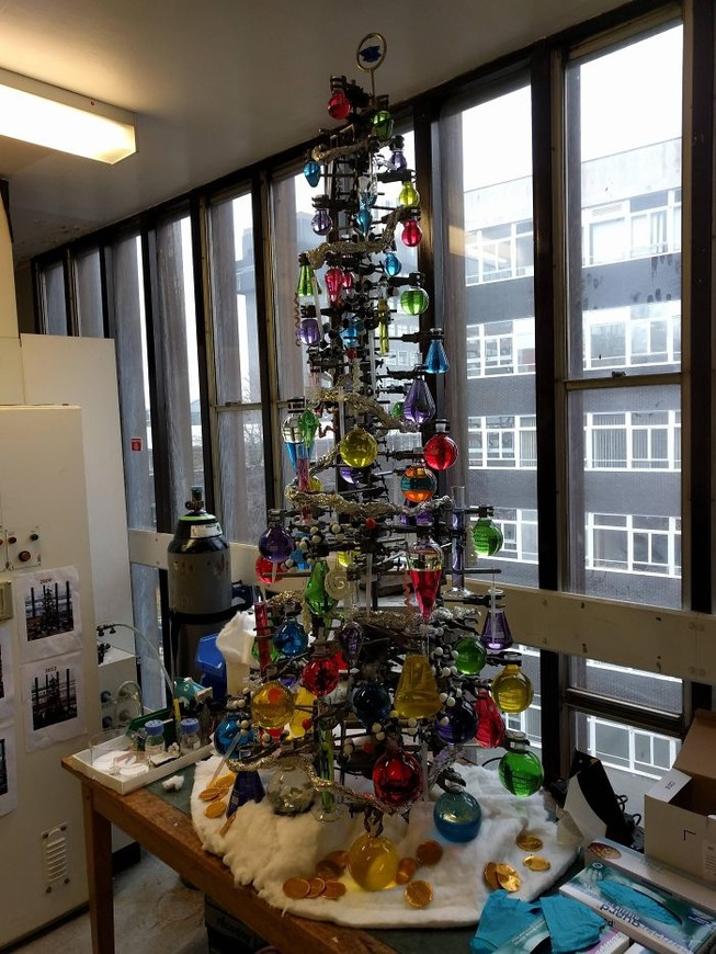 creative-employees-christmas-trees-decorations