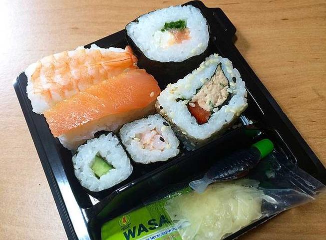 Sainsbury's-Sushi[1]_700x516