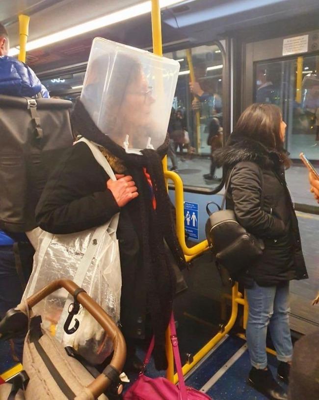 subway-corona-masks-pics-10-5f7c69099e698__700 (1)