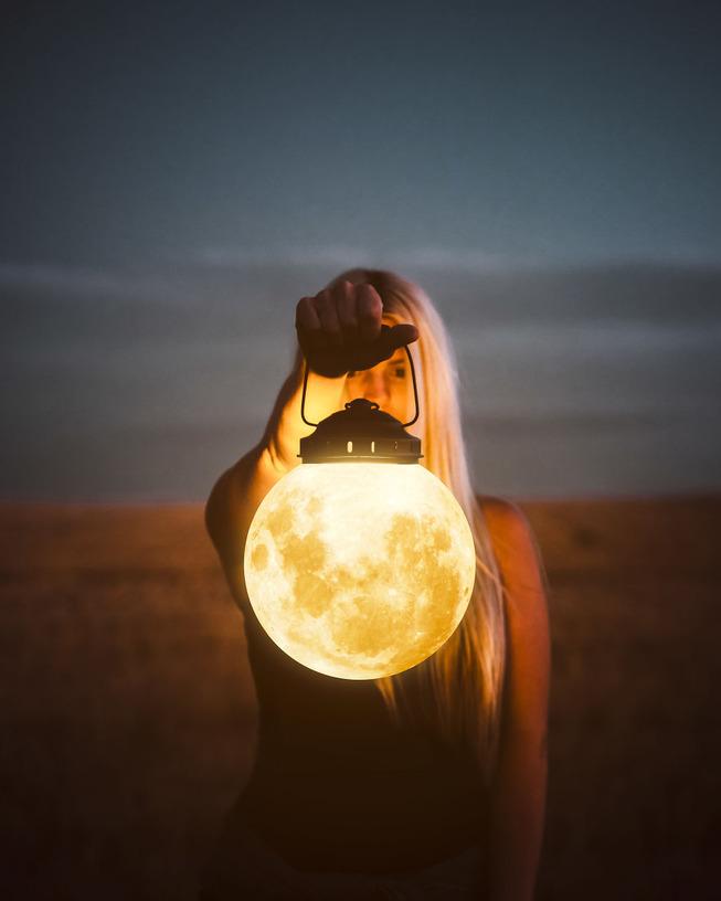 Moonlight-5b28c60c4c90d__880
