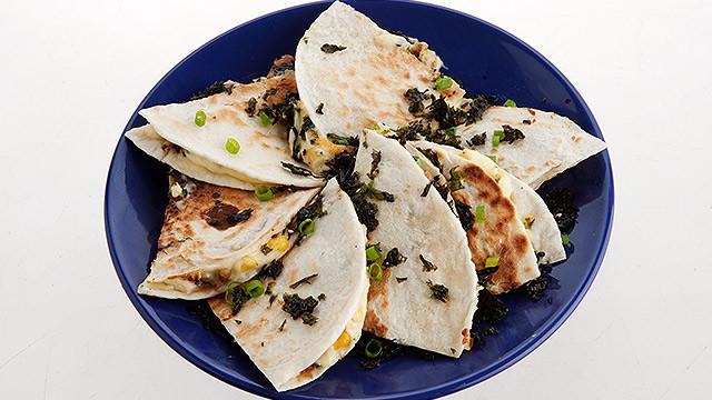 chicken-teriyaki-quesadillas