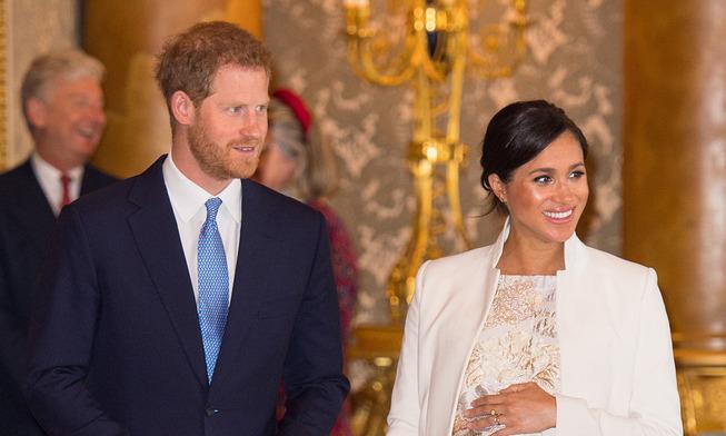 Prince-Harry-Meghan-Markle-Buckingham-Palace-t