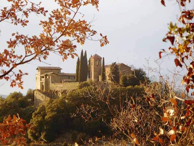 medieval-castle-airbnb-spain-2-5e4a46306370b__700