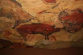 275px-Reproduction_cave_of_Altamira_01