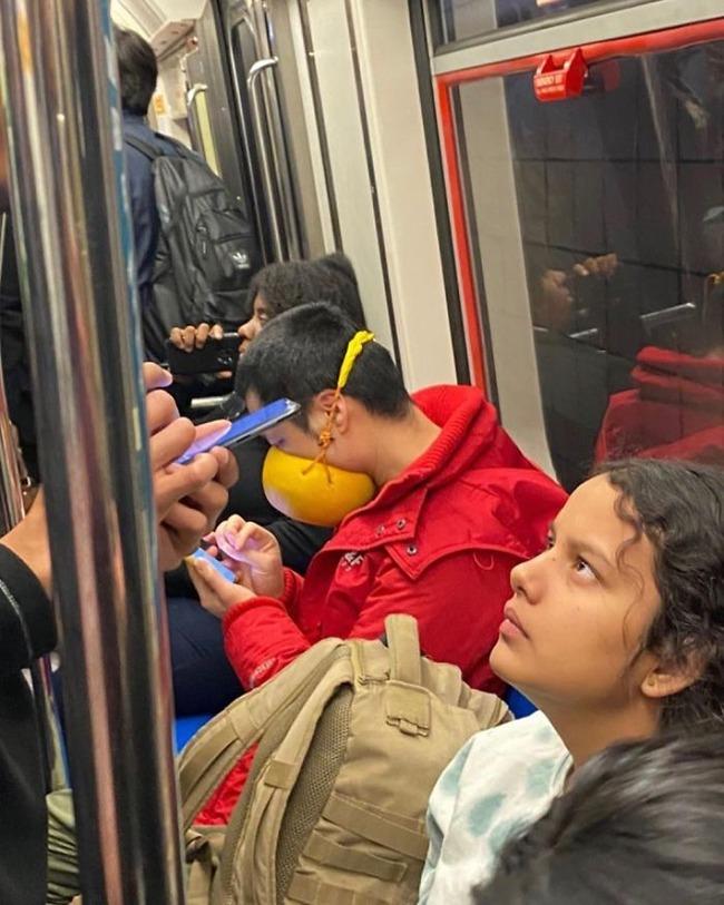 subway-corona-masks-pics-19-5f7c6921d0c41__700 (1)