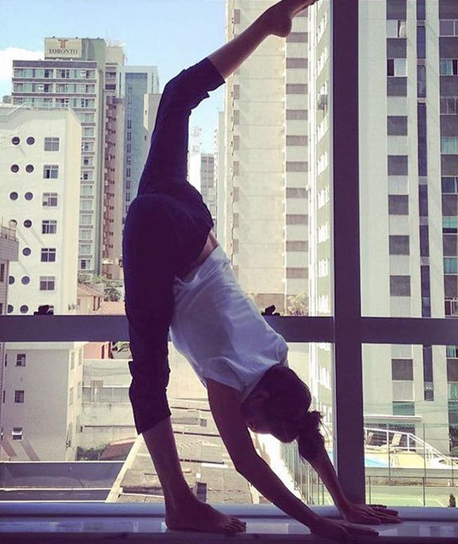 olympic-athletes-fitness-freaky-pics-200-60f968496035e__700