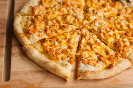 Buffalo-Chicken-Pizza-1
