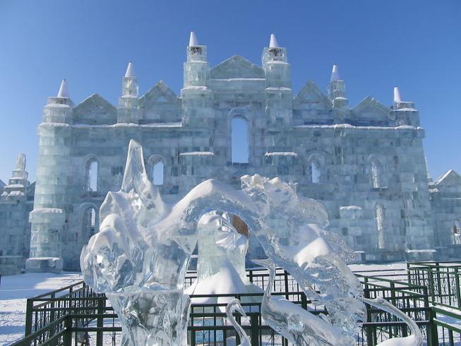 harbin-ice-snow-sculpture-festival-china-5e185bea9af17__700