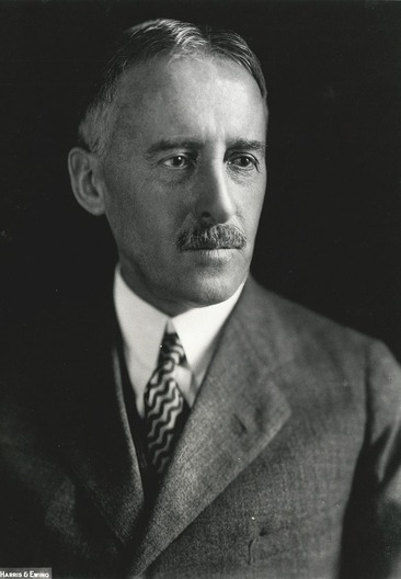 800px-Henry_Stimson,_Harris_&_Ewing_bw_photo_portrait,_1929