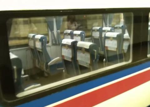 電車 座席 自動