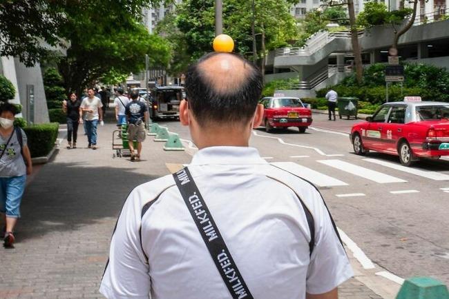 street-photography-edas-wong-26-5fc5f4ef474ff__700