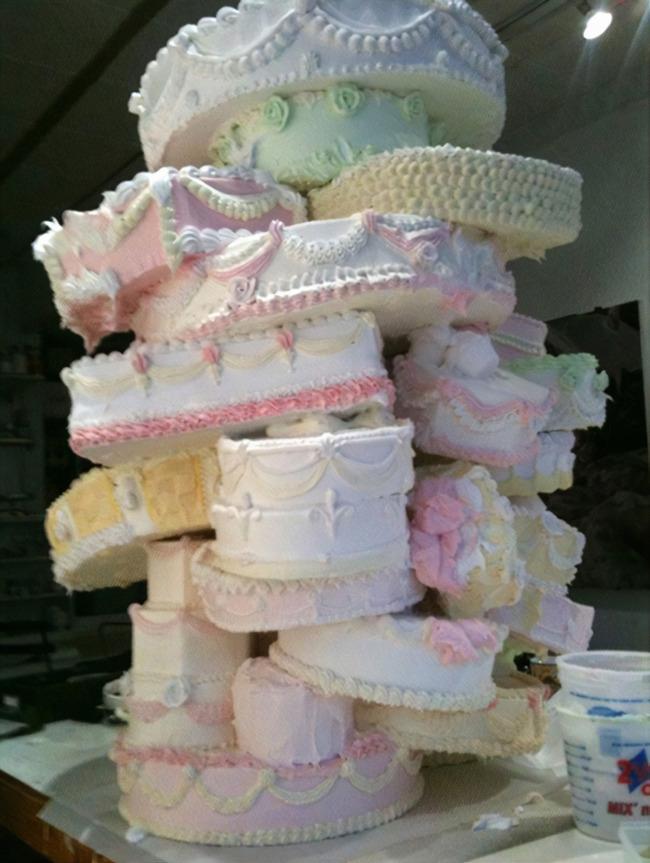 funny-wedding-cake-fails-205-5fa51363d35ca__700