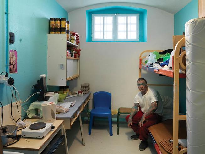 world-prison-cells-prisoners-3-5b3a09c56e11f__700