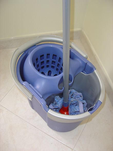440px-Janitor's_bucket_with_mop