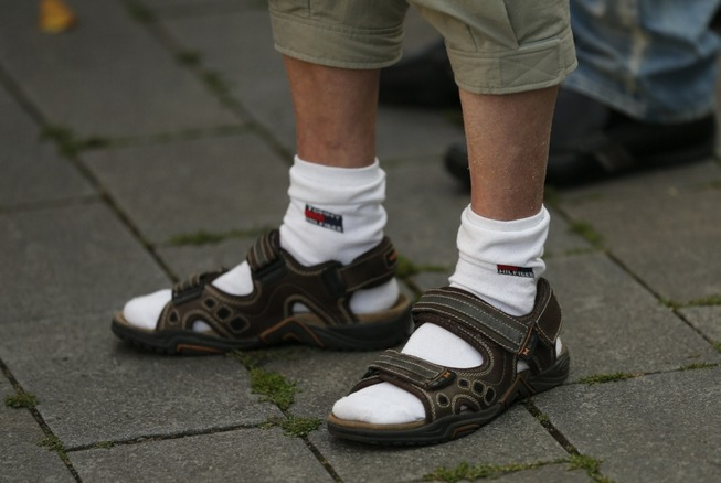 socks-and-sandals2
