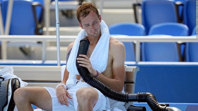 6-olympics-072421-medvedev-tennis-heat-restricted-super-169