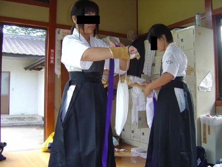 24 - Kyudo Girls 2