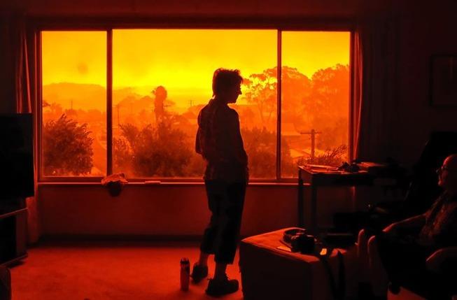 australia-fires-photos-16-5e12ea8bf26c7__700