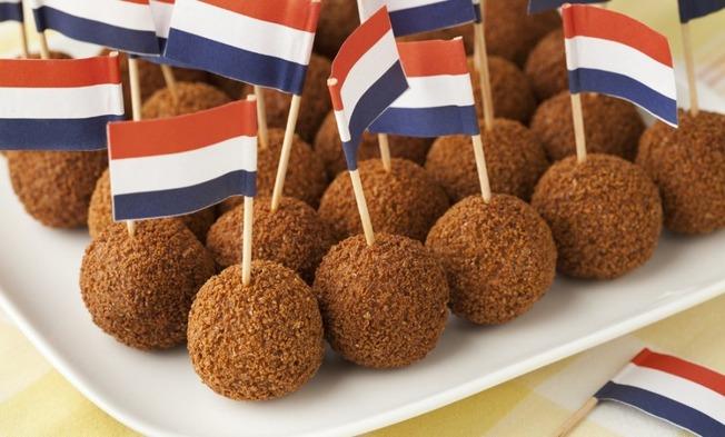 dutch-traditional-snack-bitterballen