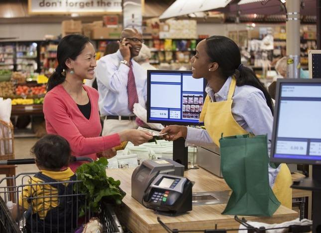 cashier-56a0f1585f9b58eba4b56a26