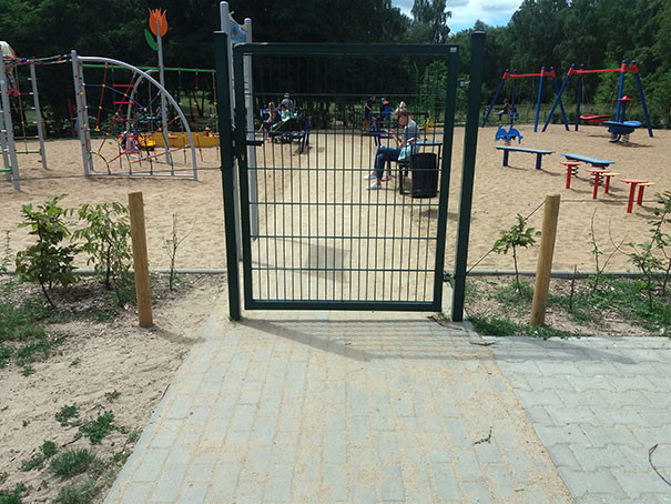 funny-children-playground-design-fails-7-5c35b5d061484__605