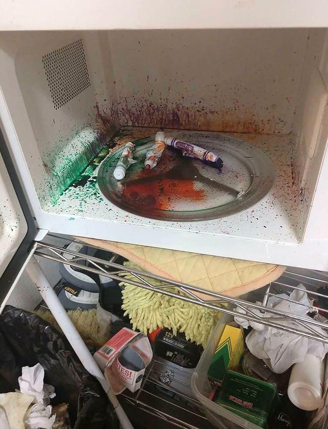 funny-microwave-fails-31-5f2d6db3711e9__700