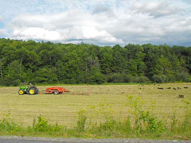 1280px-Baling_hay_in_Vermont