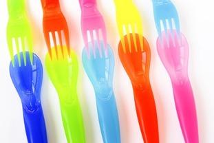 bigstockphoto_Plastic_Cutlery_1742984-540x361