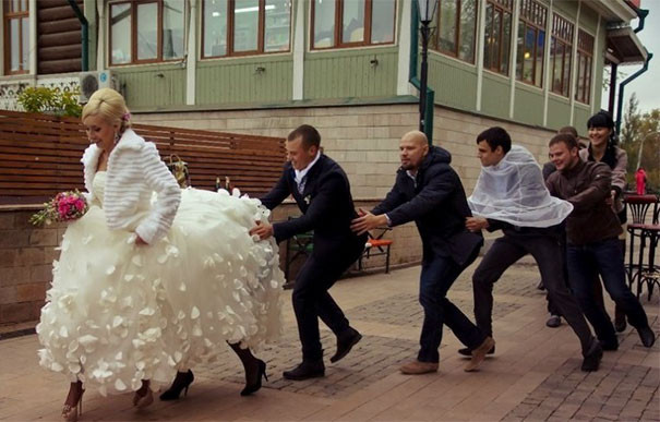 funny-weird-russian-wedding-photos-118-5ac481b9d84fe__605 (1)