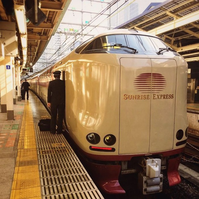 traveling-japanese-trains-inside-look-7-5c63c800f1f41__700