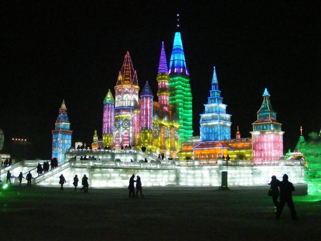 harbin-ice-snow-sculpture-festival-china-5e185bf574679__700