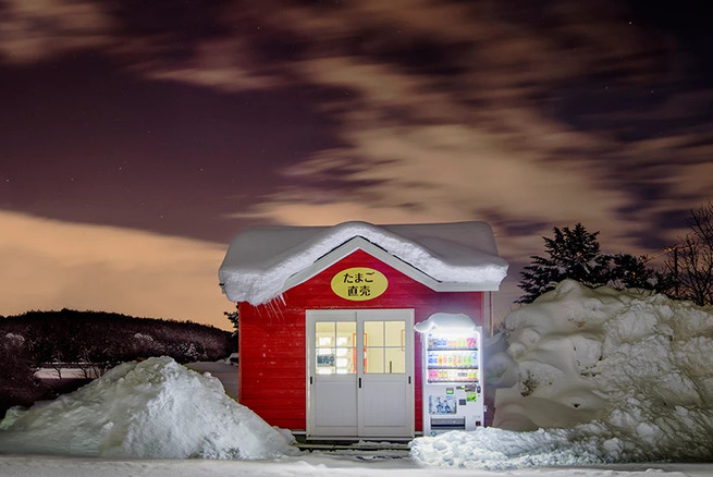Eiji-Ohashi-Hokkaido-Vending-Machines-at-Night-12