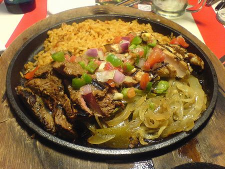 Beef_and_chicken_fajitas