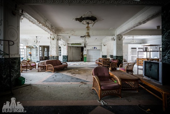 The-biggest-abandoned-hotel-in-Japan-5be55c662d8be__880
